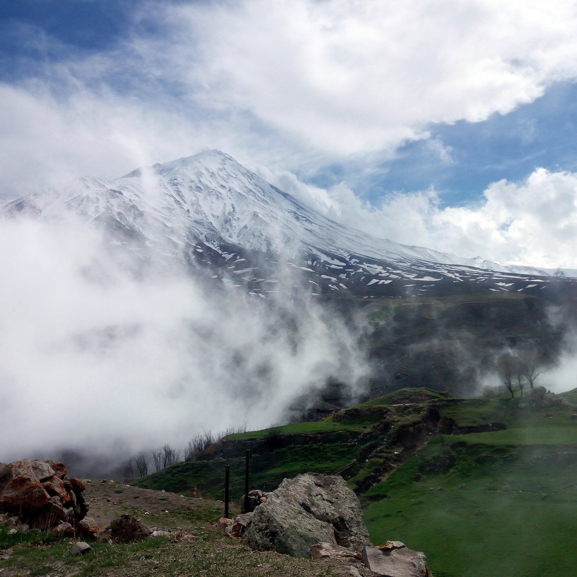 Damavand hiking tour
