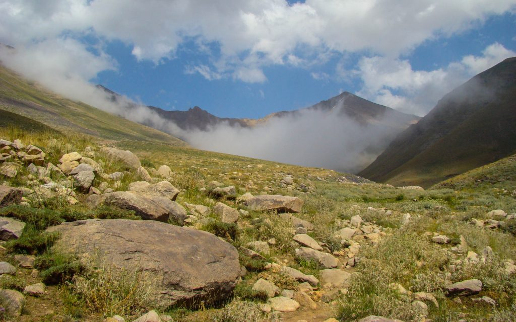 Iran hiking trips